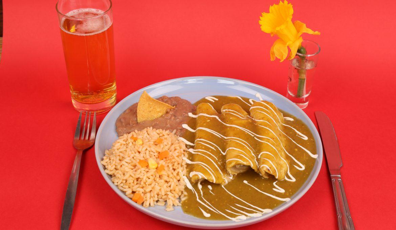 Enchiladas verdes (Green sauce)